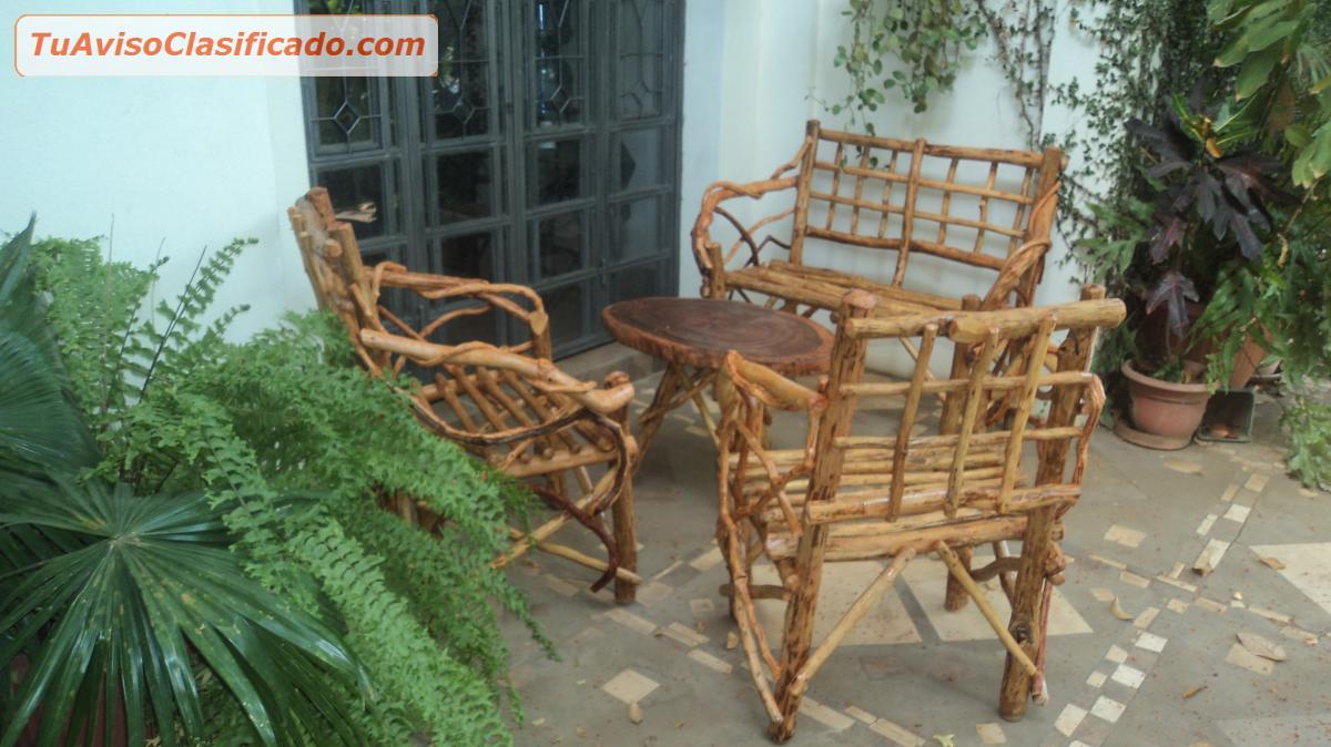 Mobiliario y equipamiento en for Muebles rusticos de madera